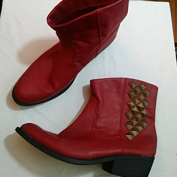 Rampage Wrecker red studded ankle boots sz 8.5